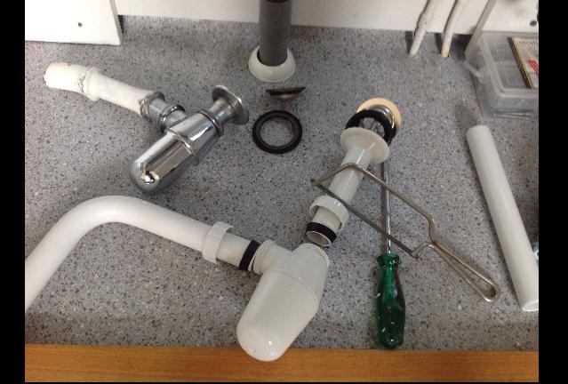 Vaak Sifon of waterafvoer vervangen in 10 stappen FB98